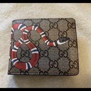 Gucci Mens Snake Wallet